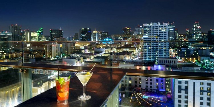Altitude Sky Lounge: A Gaslamp
